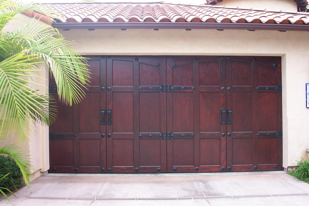 Fiberglass-Garage-Doors-Ideas