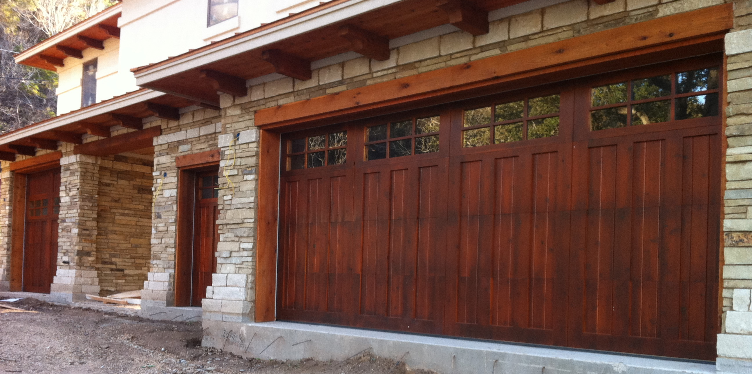 Wood garage doors repair and install toronto and gta for Rustic wood garage doors